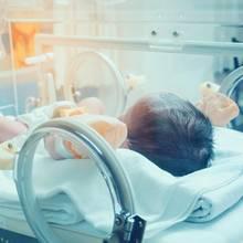 Ja'abari muss die ersten Monate seines Lebens auf der Intensivstation liegen(Symbolbild)