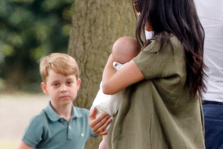 Prinz George mit Herzogin Meghan und Archie Mountbatten-Windsor