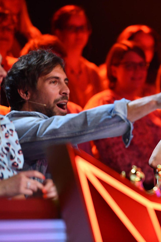 """Wer wird heute Abend bei """"The Masked Singer"""" neben Max Giesinger und Collien Ulmen-Fernandes Platz nehmen?"""