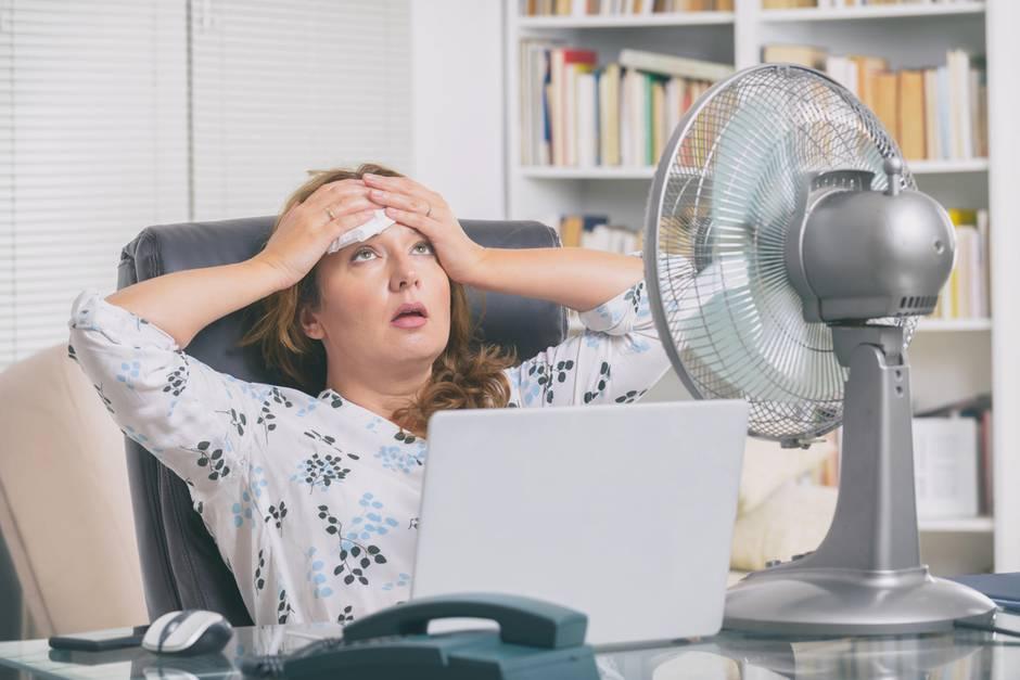 Wenn es draußen heiß ist, fällt das Arbeiten manchmal schwer.