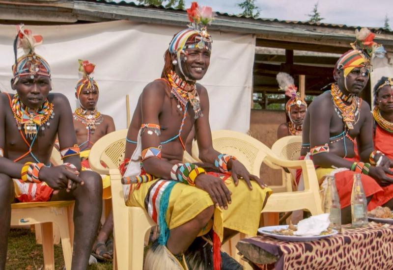 In Kenia wird eineMitgift-Zeremonie abgehalten