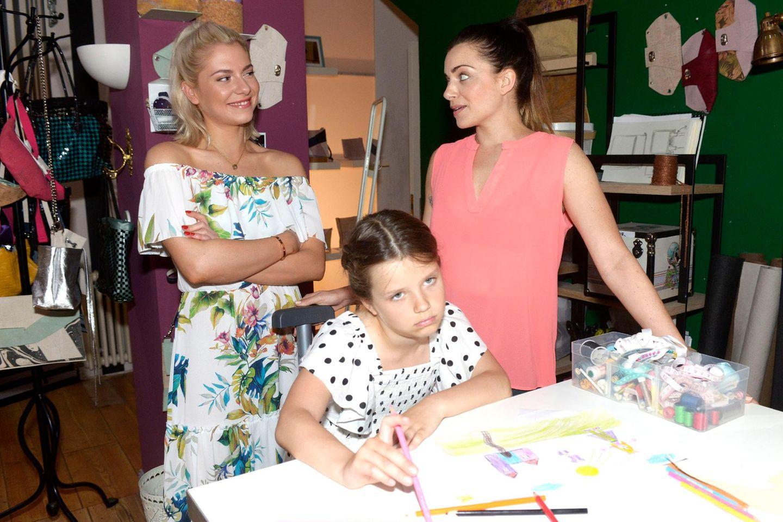 """""""GZSZ"""" (v.l.n.r.):Sunny (Valentina Pahde), Kate und Emily (Anne Menden)"""