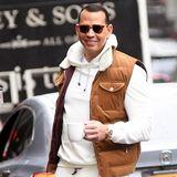Um den anfallenden Müll von Coffee-to-go-Bechern zu vermeiden, sieht man Alex Rodriguez vorbildlich mit einer Tasse seinAppartement in New York verlassen.