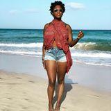 Wo kann man besser neue Energie schöpfen als am Strand?Motsi Mabuse genießt ihre Auszeit am Meer und zeigt sich dabei ganz natürlich. Happy Holiday!