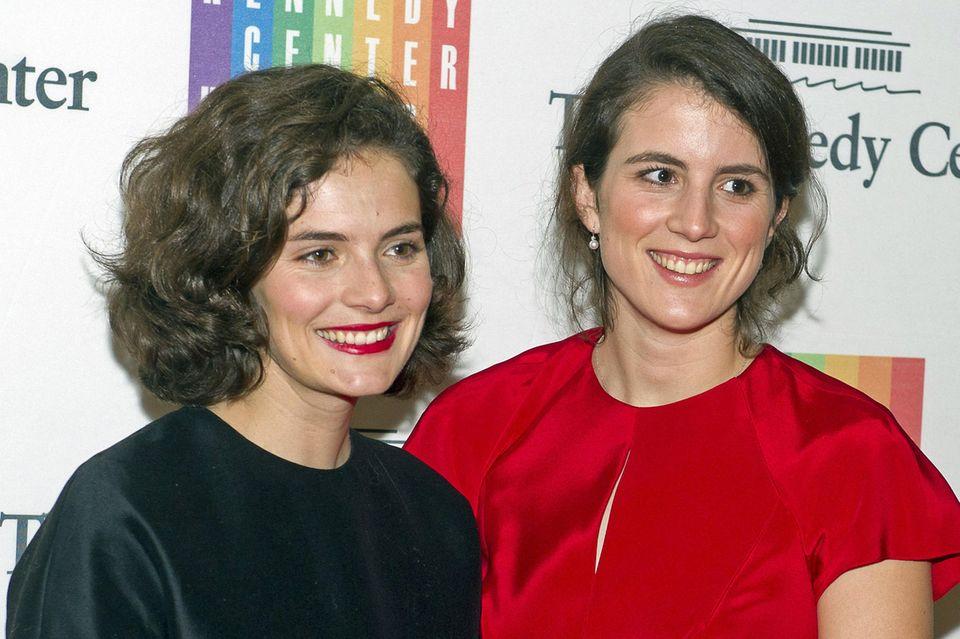 Rose und Tatiana Schlossberg sind die beidenTöchter von Caroline Kennedy.
