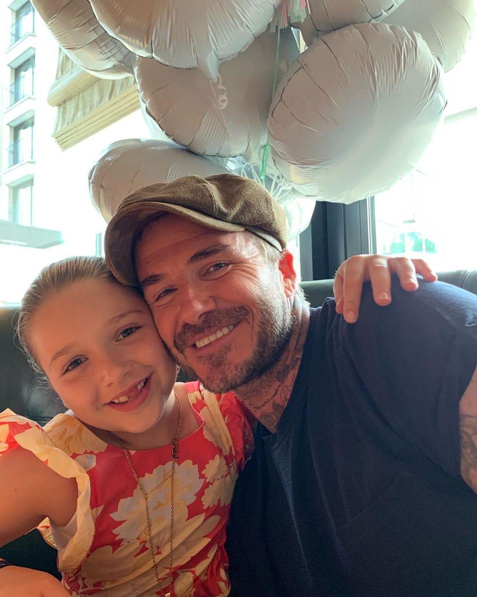 11. Juli 2019  Ihren achten Geburtstag feiert Harper Seven Beckham natürlich mit der gesamten Familie. Papa David Beckham ist besonders stolz auf sein gar nicht mehr so kleines Mädchen.
