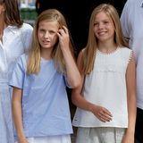 1. August 2019  Sie könnten als Zwillinge durchgehen, so ähnlich sehen sich die beiden Schwestern.