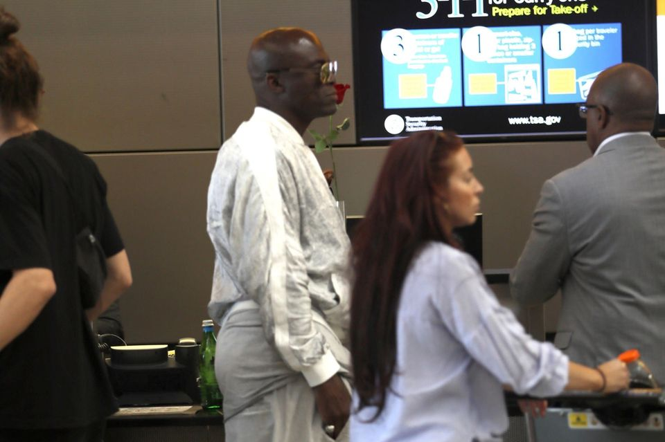 Seal am Flughafen