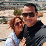 2. August 2019  Jennifer Lopez hat zum 50. Geburtstag (24. Juli) eine ganz besondere Reise geschenkt bekommen: Mit der ganzen Familie reist sie nach Jerusalem in Israel, und genießt dort, den Instagram-Fotos nach zu urteilen, wunderschöne Tage.
