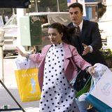 """Sex and the City  Im Jahr 2007 stehen Kristin Davis als Charlotte und Chris Noth als """"Mr. Big"""" für """"Sex and the City"""" vor der Kamera. Die beliebteSerieum Hauptdarstellerin Sarah Jessica Parker als Carrie Bradshaw wird von 1998bis 2004 produziert und umfasst sechs Staffeln. Es folgen zwei Kinofilme: """"Sex and the City - Der Film"""" (2008) und """"Sex and the City 2"""" (2010)."""