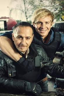 """Semir Gerkhan (Erdogan Atalay, l.) und Paul Renner (Daniel Roesner) von """"Alarm für Cobra 11"""""""