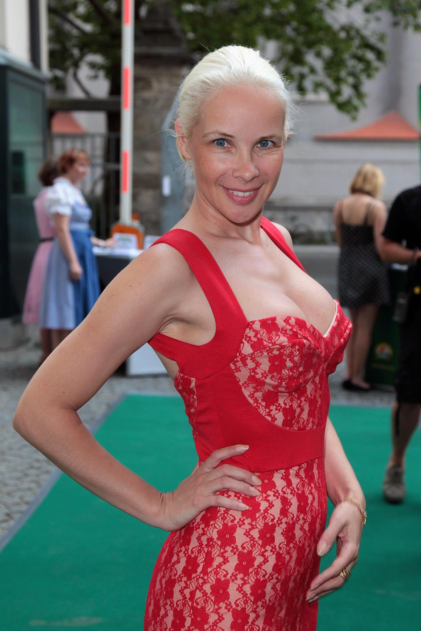 Sylvia Leifheit Sexy