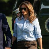 Den Look rundet eine Aviator-Brille ab, die von Victoria Beckham stammt und für viel Coolness sorgt.
