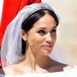 Am 19. Mai 2018 heiratet sie nach etwa zwei Jahren Beziehung Prinz Harry und wird zu Herzogin Meghan. Für sie ist es bereits die zweite Ehe.