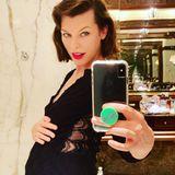 Große Freude im Hause Anderson: Milla Jovovich freut sich über ihre dritte Schwangerschaft - und verrät auch gleich mit, dass sie erneut ein Mädchen erwartet. Aufgrund ihres Alters von 43 Jahren und einer vorangegangen Fehlgeburt sei die Familie nun besonders glücklich, so Milla auf Instagram.