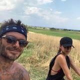 """7. August 2019  """"Happy summer!!!"""" Victoria und der shirtlose Davidschicken ihren Fans diese heißen Urlaubsgrüße aus dem italienischen Puglia. Sportlich!"""