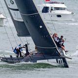 Hart am Wind segeln Herzogin Catherine und Prinz William bei derKing's Cup Regatta im englischen Cowes.