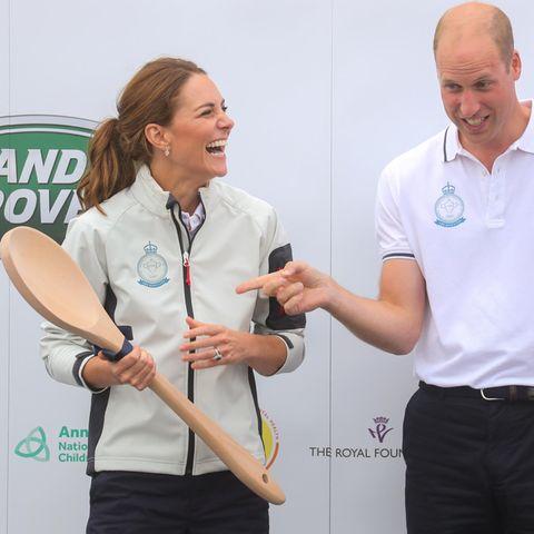 Catherine und William hatten ihren Spaß mit dem XXL-Kochlöffel