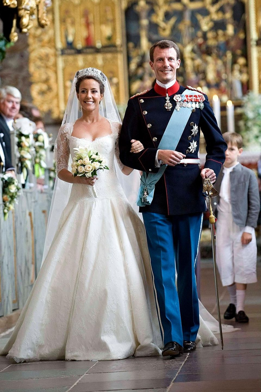 Bei einer Jagd in Dänemark lernt Marie 2002 Prinz Joachim kennen, der zu diesem Zeitpunkt noch mit seiner ersten Frau verheiratet ist. Der dänische Prinz lässt sich 2005 scheiden, Marie und Joachim kommen noch im selben Jahr zusammen. 2008 folgt die Hochzeit und aus Marie Cavallier wird Prinzessin Marie von Dänemark.