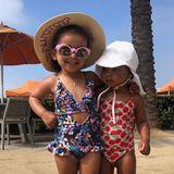 8. August 2019  Posen wie die Großen: Rob Kardashians Tochter Dream (l.)und Khloé Kardashians Tochter True können sich fast schon so gut präsentieren wie ihre Verwandten, wie diese von Rob und Oma Kris Jenner geteilte Foto beweist. Scheint wirklich in der Familie zu liegen.
