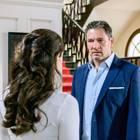 """Sturm der Liebe"": Christoph (Dieter Bach, r.) konfrontiert Denise (Helen Barke, l.) am 16. August mit Annabelles Verdacht."