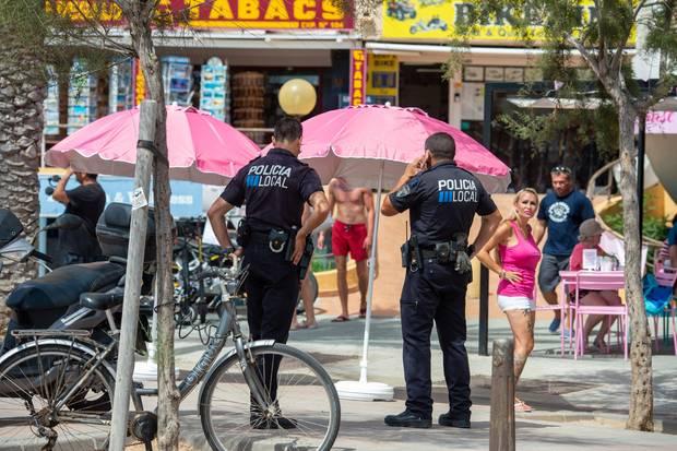 Bei der zweiten Café-Eröffnung von Iris Klein musste nach kurzer Zeit die Polizei anrücken.
