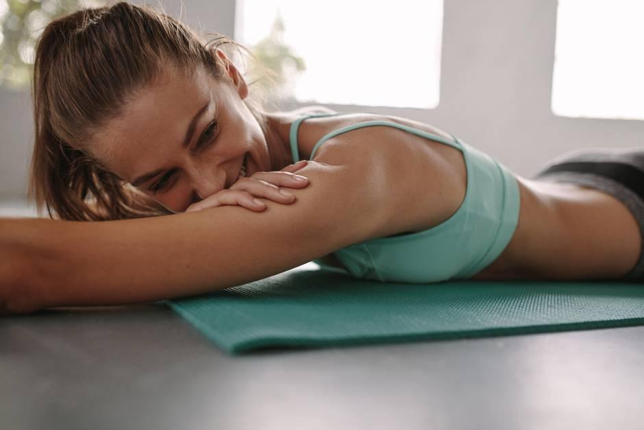 Bauchmuskeltraining zaubert nicht nur einen Traumkörper, sondern kann auch zum Orgasmus führen: der Coregasm.