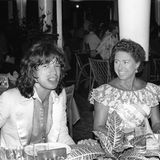 Margaret gilt als künstlerisch interessiert und gesellig, verbringt in den 60er- und 70er-Jahren Zeit mit Stars wie Mick Jagger.