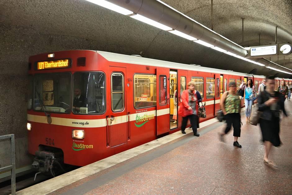 In einem Nürnberger Bahnhof wäre es fast zum Drama gekommen (Symbolbild)