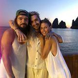 Oft mit dabei ist auch Toms Zwillingsbruder Bill Kaulitz. Der Tokio-Hotel-Sänger hat Tom und Heidi getraut.