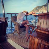 """Nach der Hochzeitssause lässt Heidi Klum es ruhig angehen. Sie relaxt an Bord der gecharterten Jacht """"Christina O""""."""