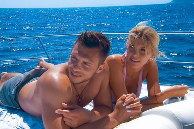 """Tim und Gerda halten bei """"Die Bachelorette"""" Händchen"""