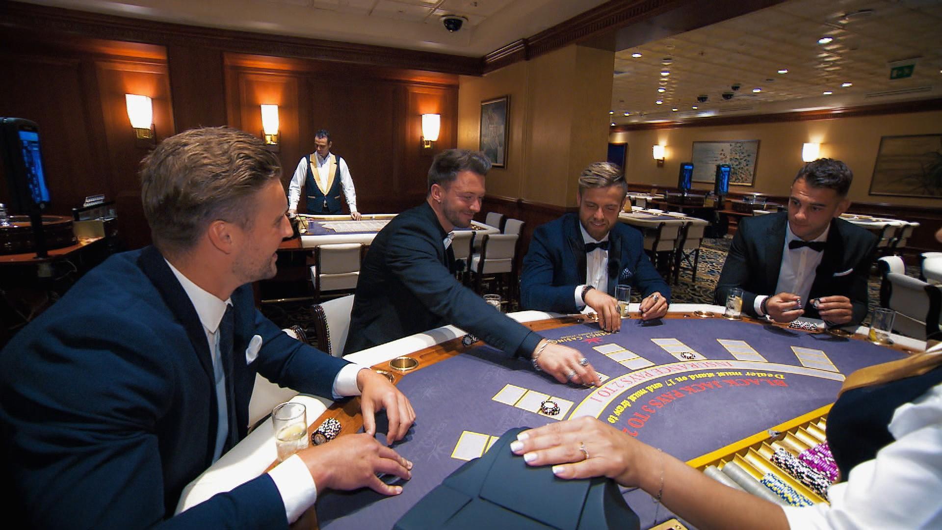 Alex, Keno, Andreas und Serkan im Casino
