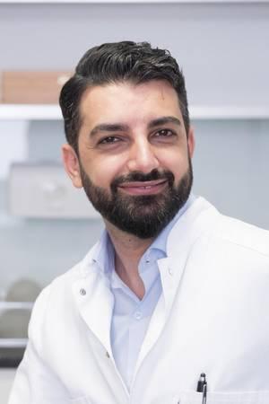 """Dr. MuratDağdelen istFacharzt für Plastische und Ästhetische Chirurgie und Gründer und Ärztlicher Direktor von """"DiaMonD Aesthetics"""", steht im GALA-InterviewFrage und Antwort."""