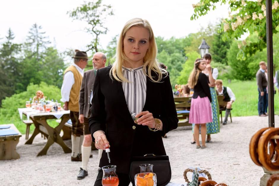 """""""Sturm der Liebe"""": Annabelle Sullivan (Jenny Löffler) plant einen Mordanschlag auf Denise"""