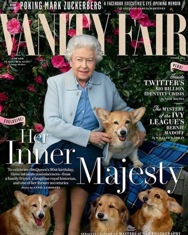 """2016: Zusammen mit ihren Corgis ließ sich die Queen für das Hochglanz-Magazin """"Vanity Fair"""" ablichten."""