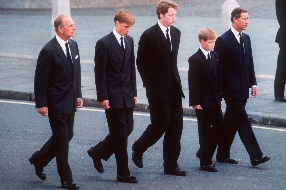 Trauermarsch für Prinzessin Diana: Prinz Philip, Prinz William, Earl Charles Spencer, Prinz William und Prinz Charles (v.l.n.r.)