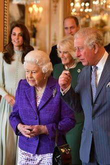 Queen Elizabeth, Prinz Charles, Duchess Catherine, Duchess Camilla, Prinz William, Prinz Harry, Herzogin Meghan