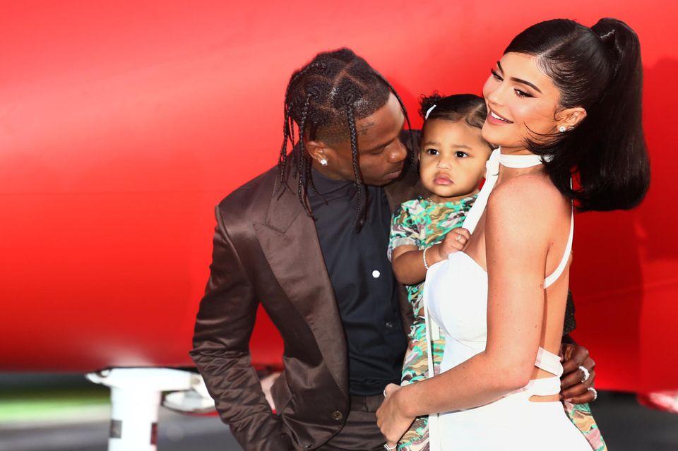 Kylie Jenner: Kylie Jenner mit Travis Scott und Tochter Stormi