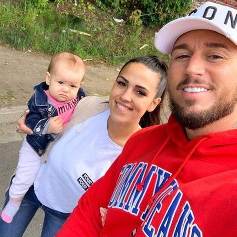 Elena Miras und Mike Heiter mit ihrer TochterAylen