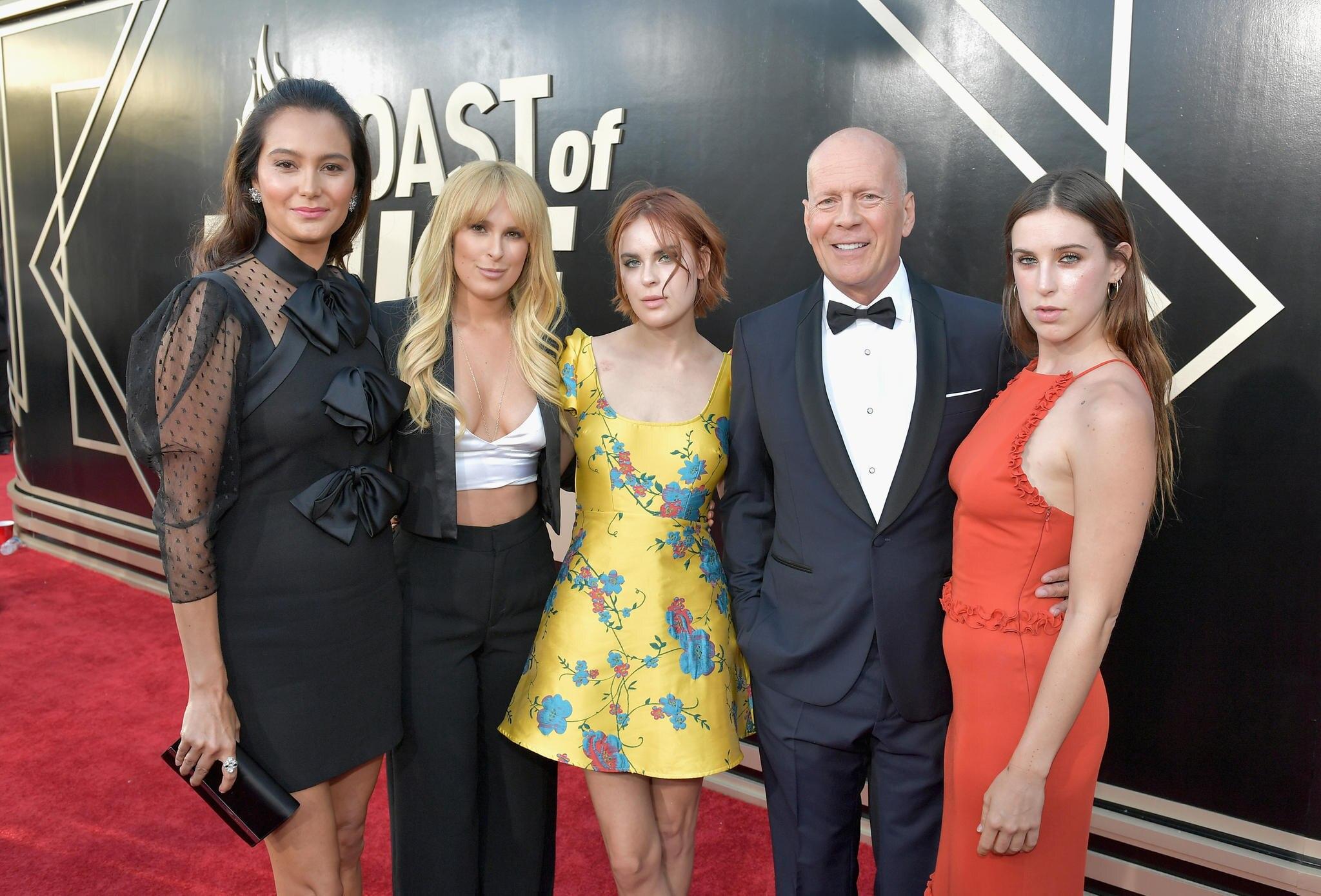 Bruce Willis mit seinen Töchtern (v.l.) Rumer, Tallulah und Scout
