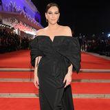 Liv Tyler in einem opulenten Abendkleid von Givenchy.