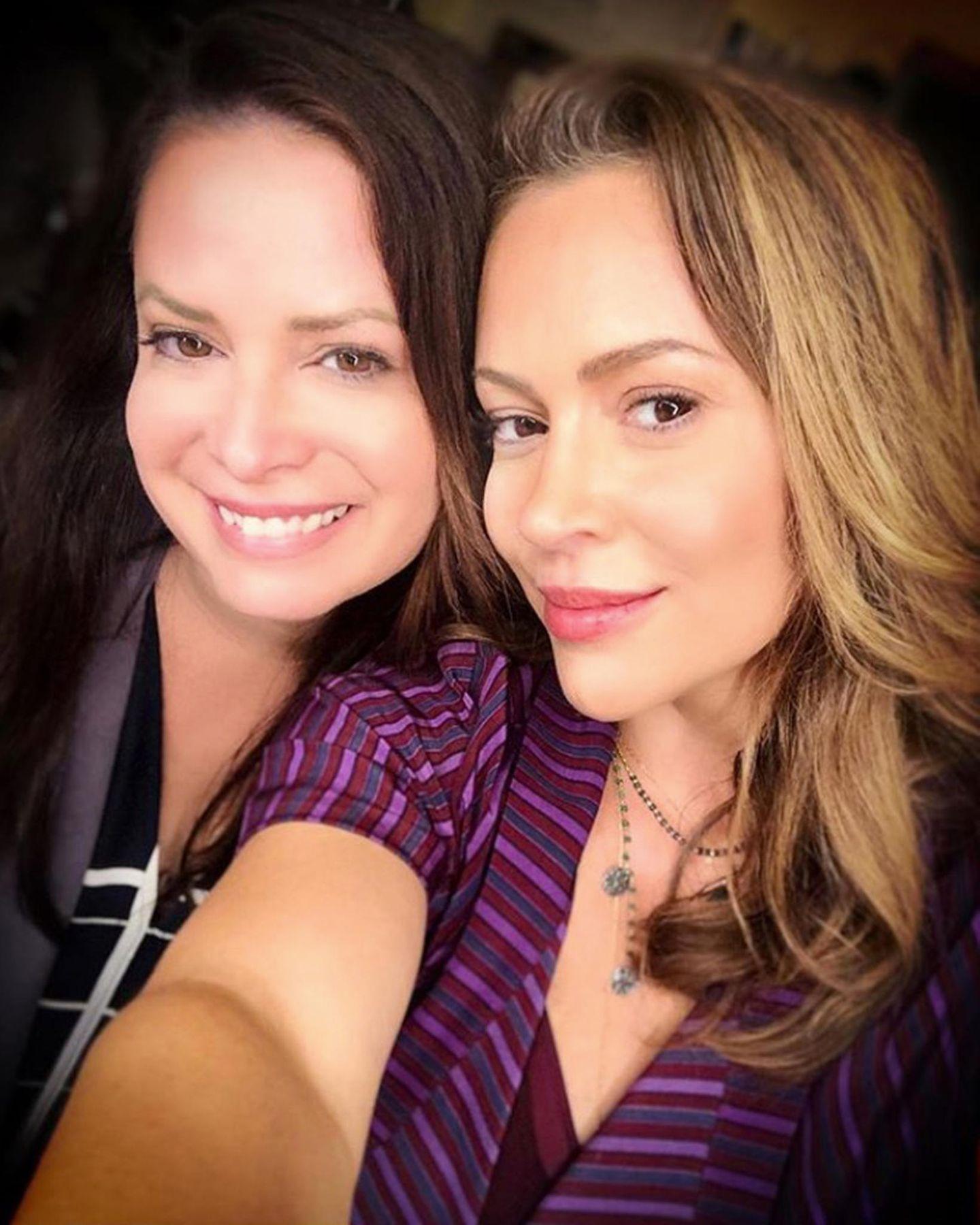 Holly Marie Combs undAlyssa Milano sind auch heute noch bestens befreundet. Bei soviel Liebe ist dann auch, wie Alyssaauf Instagram schreibt, gar kein Kommentar nötig.