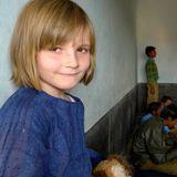 4. Dezember 2010  Auf ihrer Reise nach Indien erlebt die Prinzessin hautnah, unter welch schwierigen Bedingungen manch anderes Kind lernt.
