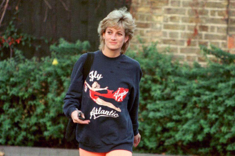 Prinzessin Diana setzte schon 1995 auf Radlerhosen- ein Trend, der auch 2019 von den Fashionistas geliebt wird.