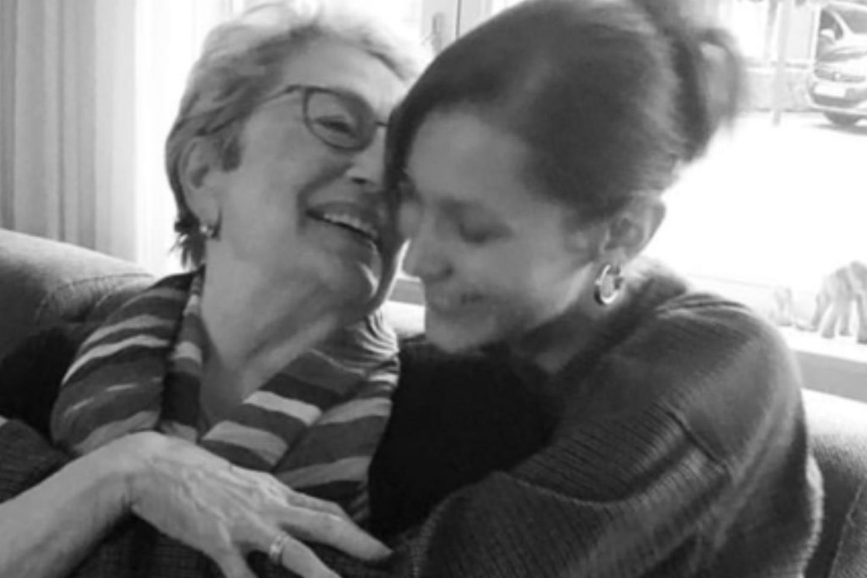 Bella Hadid mit ihrer Oma