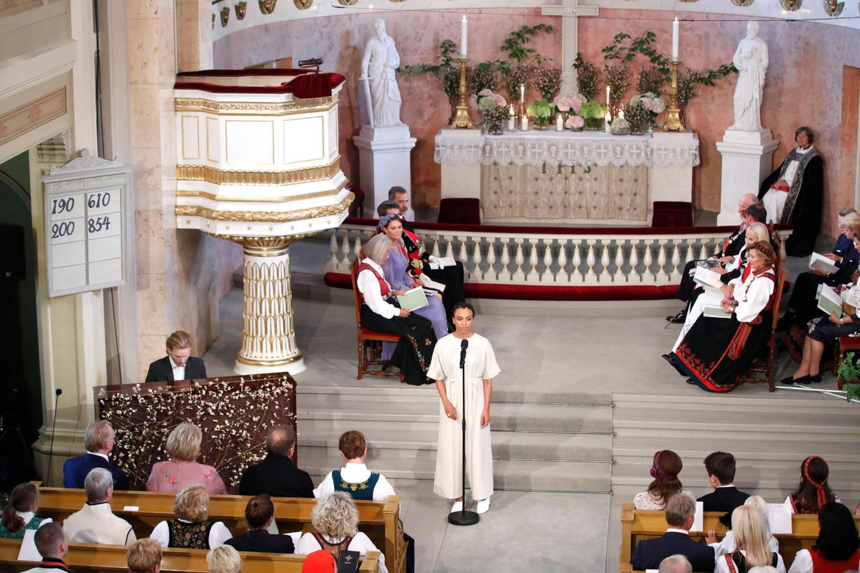 Stimmungsvoller Gesang zieht in die Schlosskapelle ein.