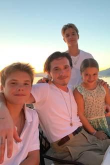 1. September 2019  Mama Victoria Beckham gratuliert hingegen mit einem aktuellen Foto, auf dem neben Romeo auch seine Geschwister Cruz, Brooklyn und Harper abgelichtet sind.
