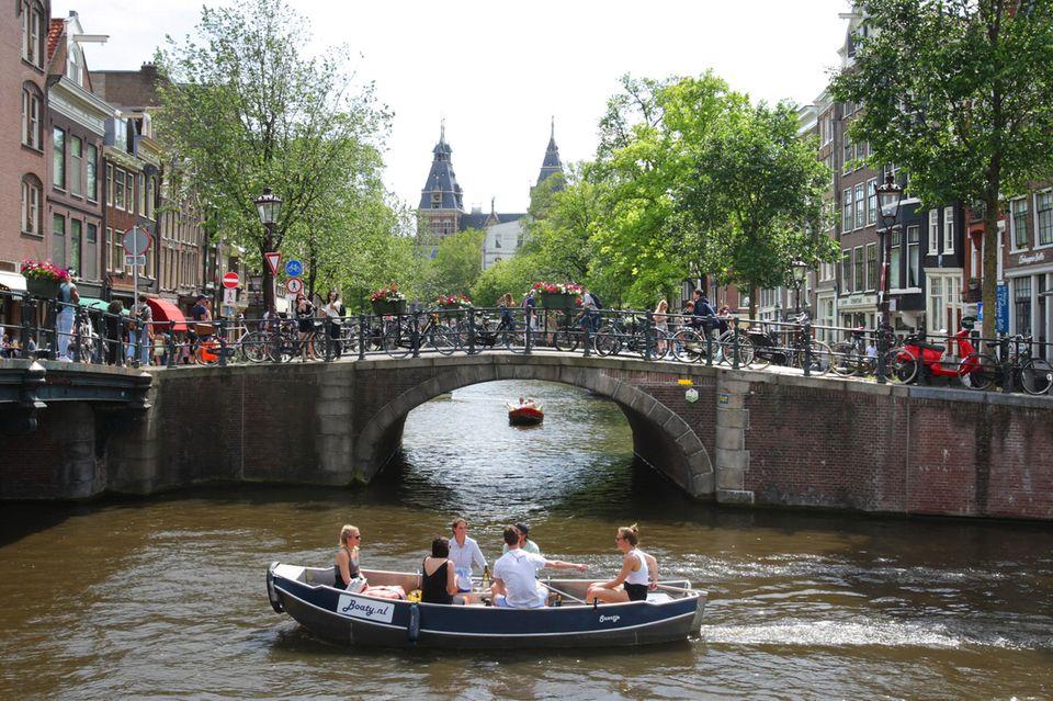 Amsterdam zählt zu den beliebtesten Reisezielen weltweit.