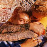 """4. September 2019  Hailey Bieber lässt uns am """"perfektestenTag"""" mit ihrem Justin teilhaben. Auf Instagram postet sie diesen schönen Moment, der das Pärchen glücklich und vertraut miteinander zeigt."""
